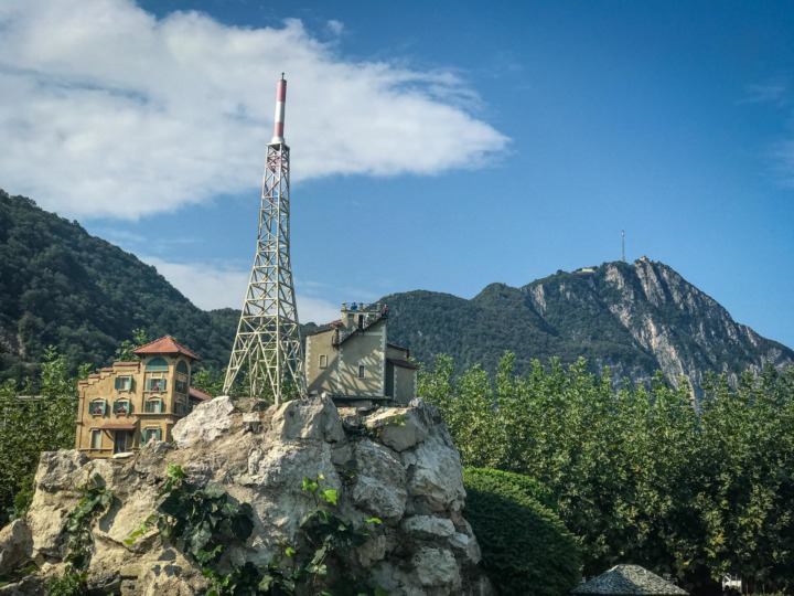 Real and model transmission towers of Monte San Salvatore