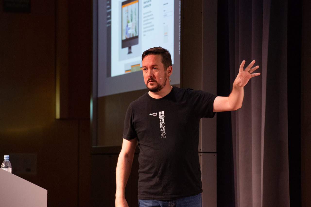 Mark Howells-Mead on stage at WordCamp Zurich