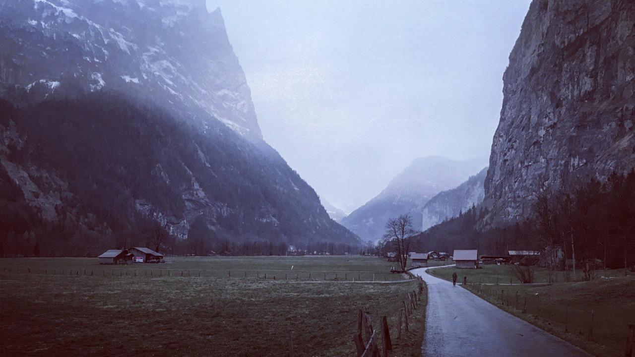 Murky weather in the Lauterbrunnen Valley