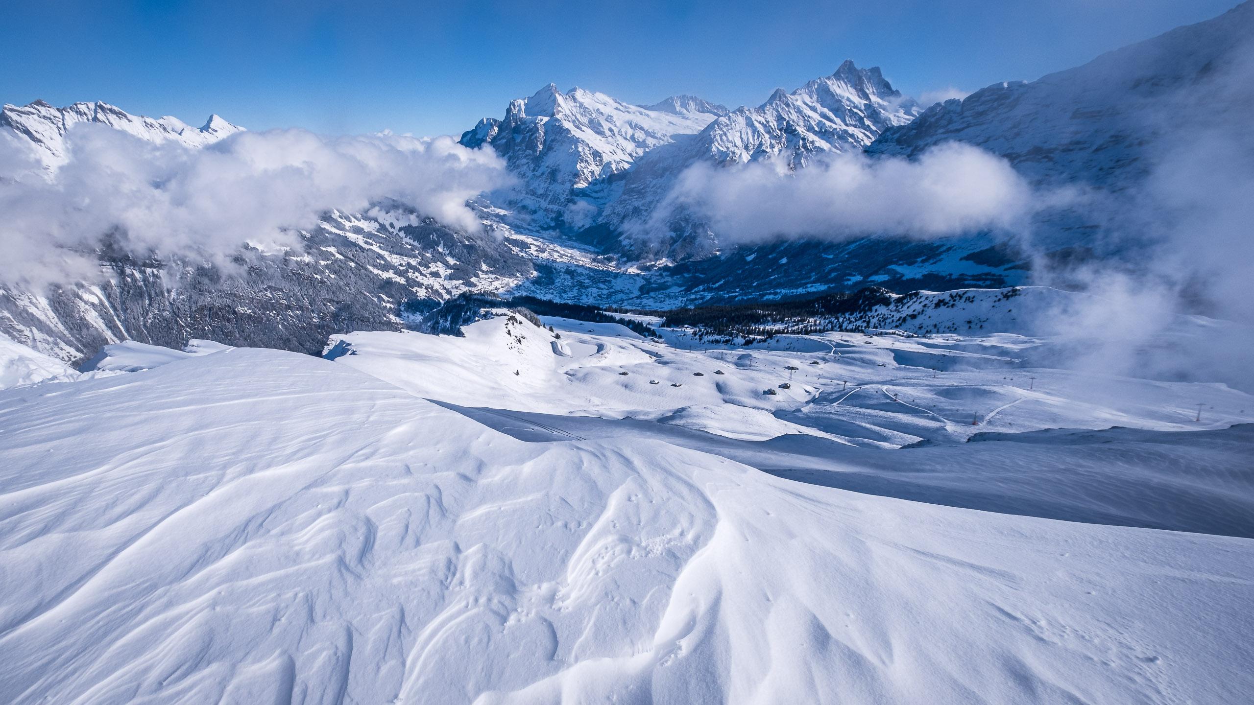 Frozen snow drift at Männlichen