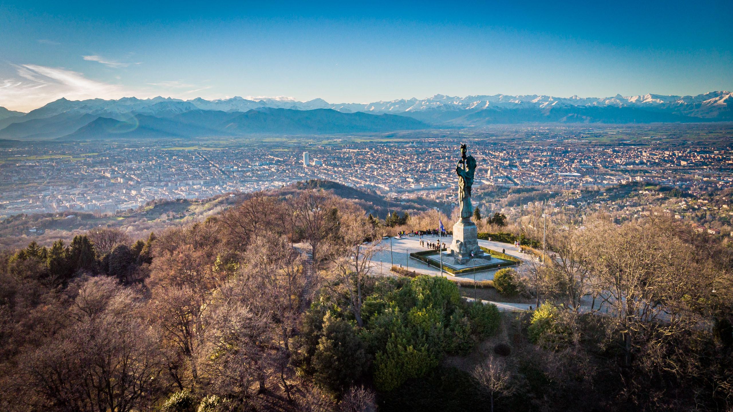 Faro della Vittoria, Turin