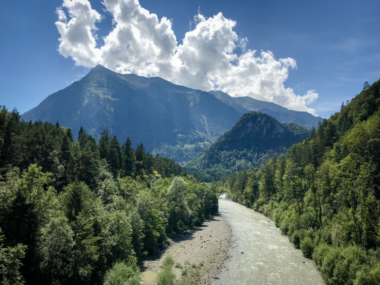 River Simme and Niesen