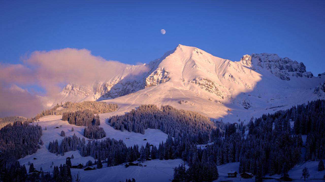 Bunderspitz and Moon